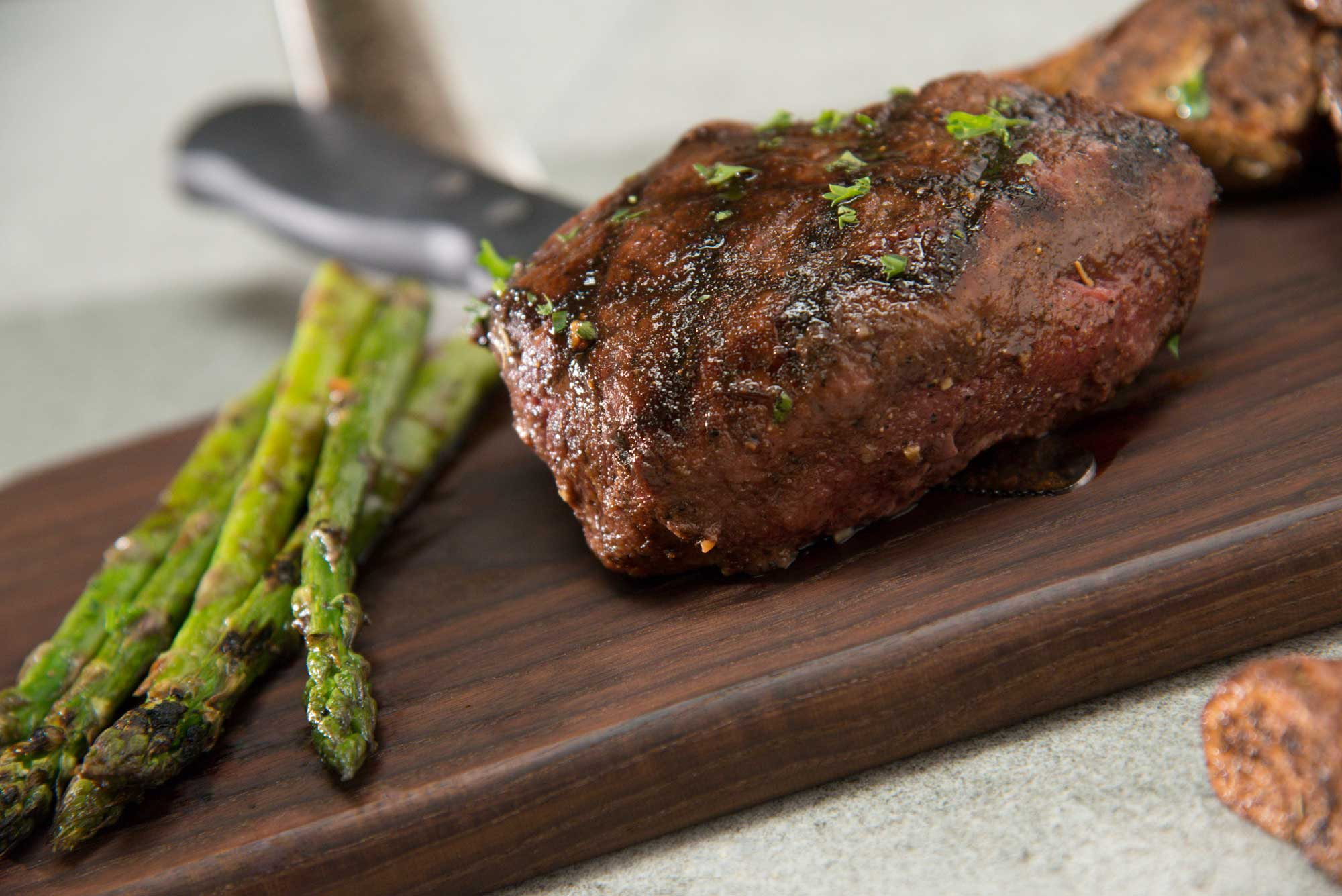 Steakhouse Sirloin with asparagus