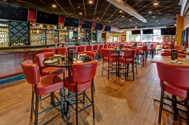 Monarch Recovery Sports Grill dining room